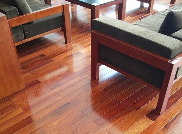 Sàn gỗ Giáng Hương có tốt hay không? Ưu điểm và nhược điểm